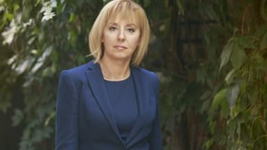 Мая Манолова обявява гражданския си проект в петък