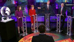 Куриоз в ефир: Джонсън и Фараж бяха заменени с ледени скулптури в тв дебат (видео)