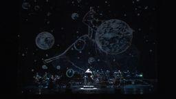 """""""Между два свята"""" свърза Класиката и Космоса"""