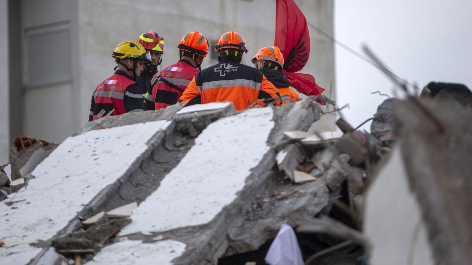 Прекратиха спасителните операции след смъртоносния трус в Албания