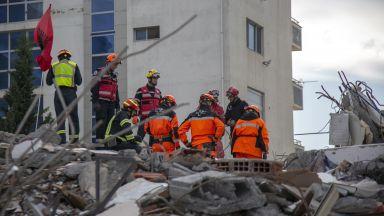 12 наши инженери ще оценяват сградите след смъртоносния трус в Албания