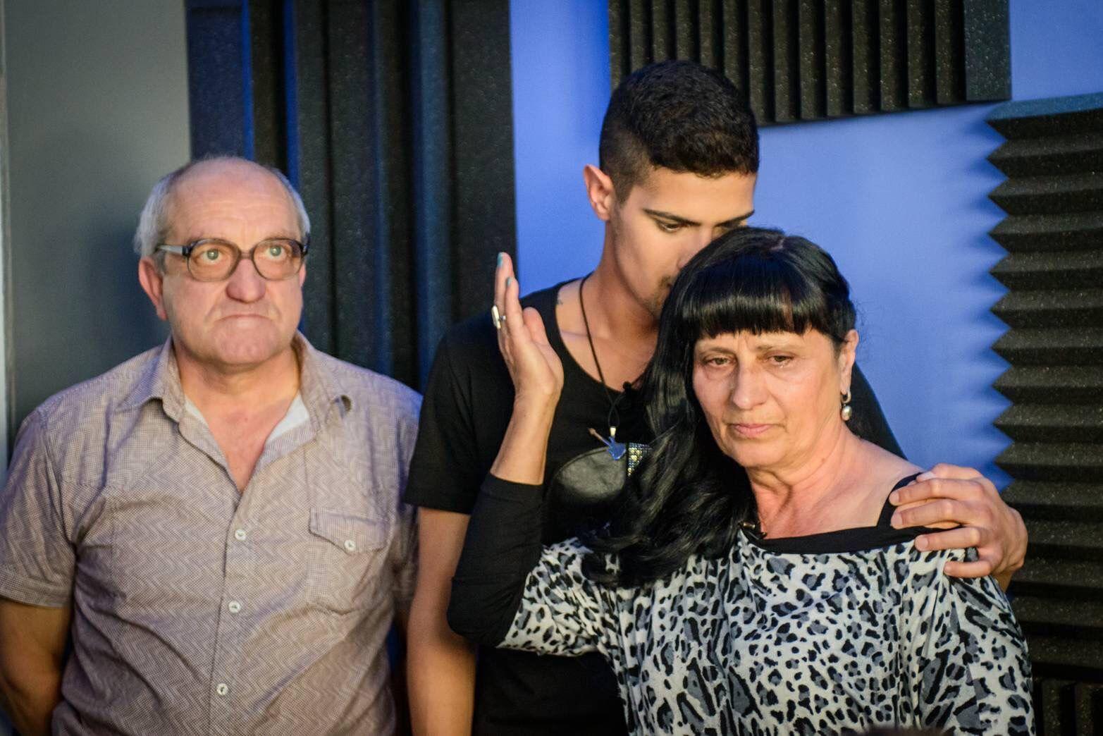 Тихомир с осиновителите си