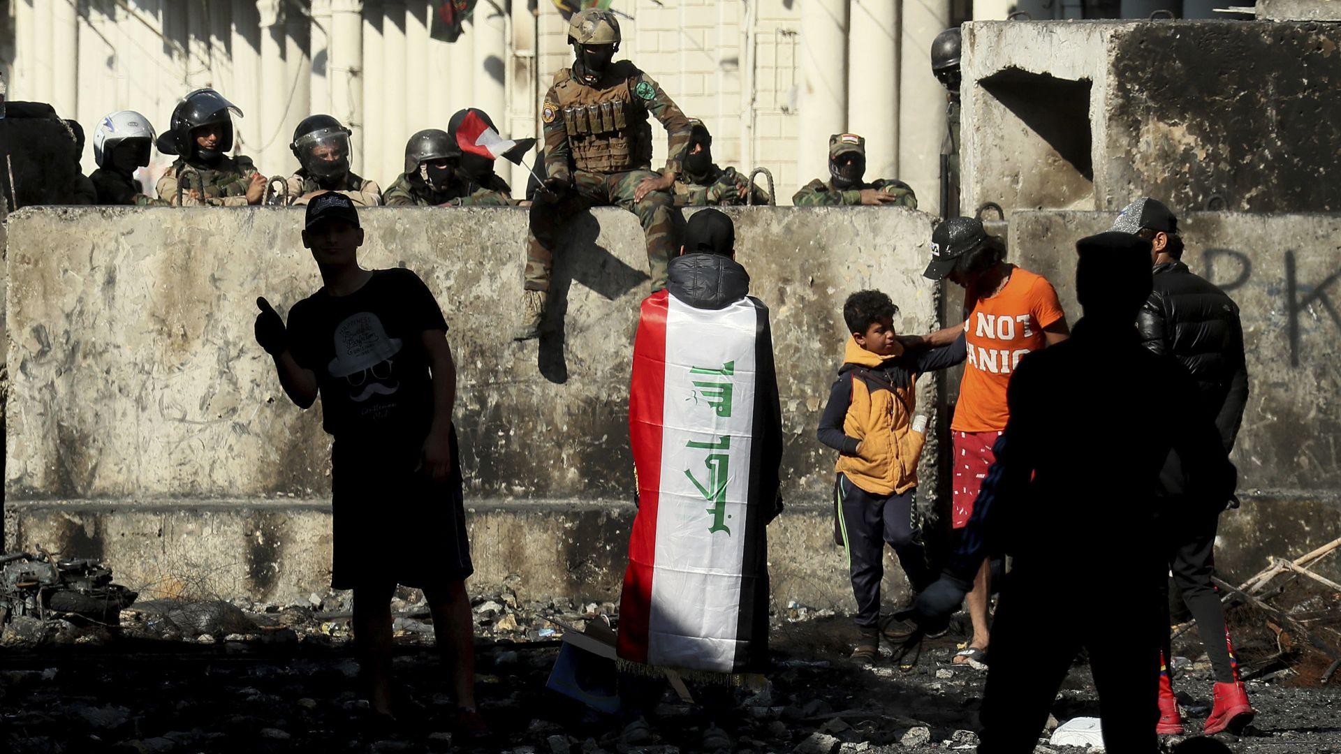 Иракското правителство падна след 420 убити при протести