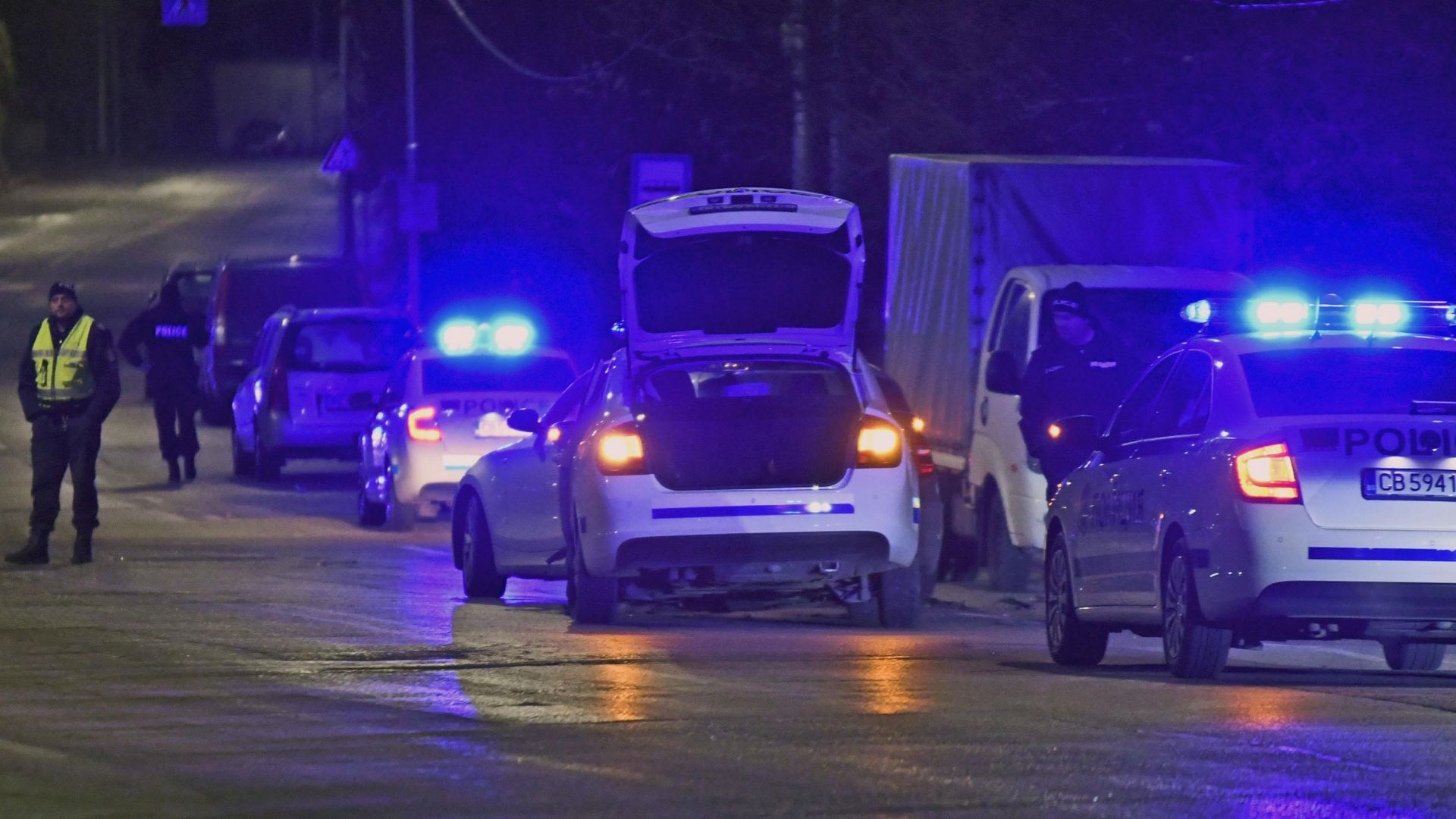"""Полицаи катастрофираха в столичния квартал """"Бояна"""""""