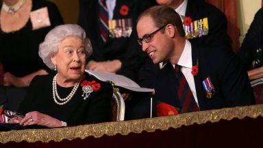 Принц Уилям похвали Елизабет II, че се е откроила в един мъжки свят