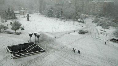 Първи сняг в София, до минус 7-8º през следващите дни