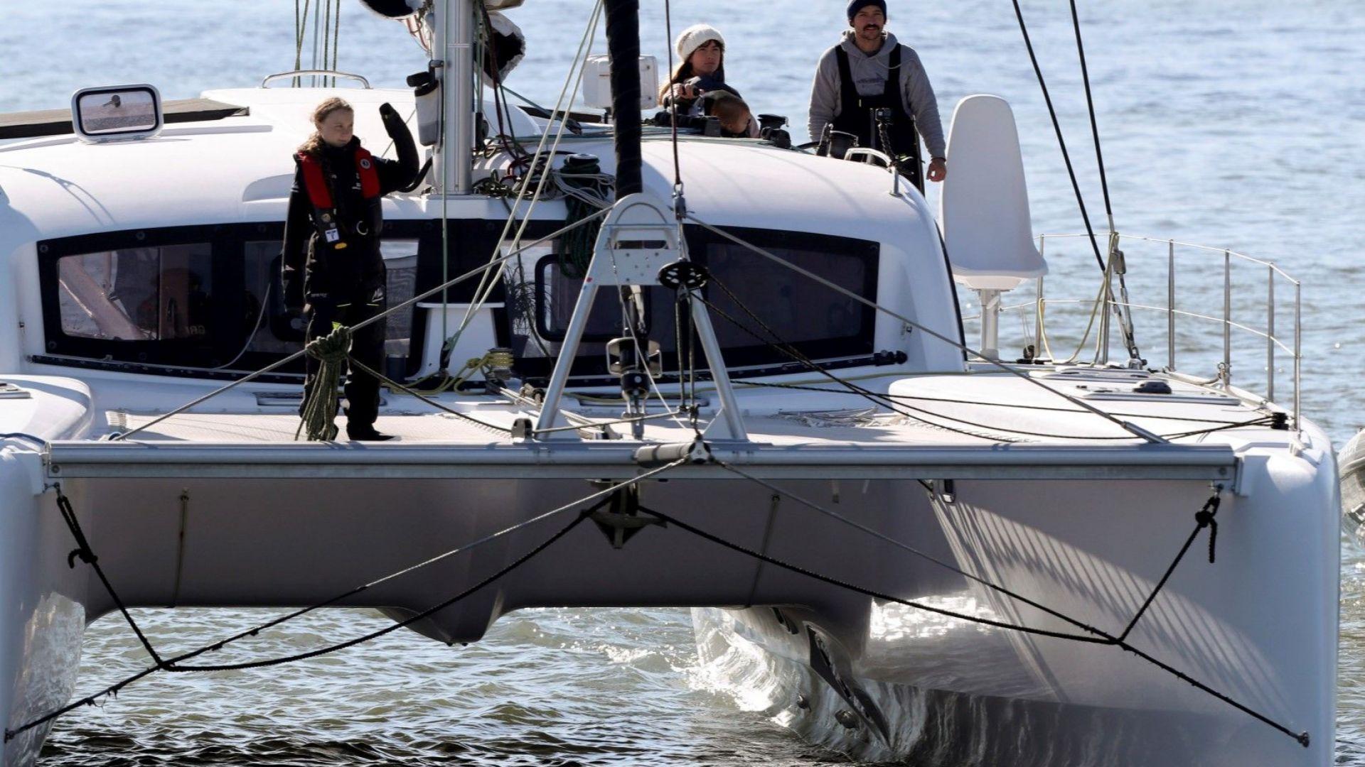 Грета Тунберг пристигна в Европа от САЩ с яхта, за да участва в преговорите за климата