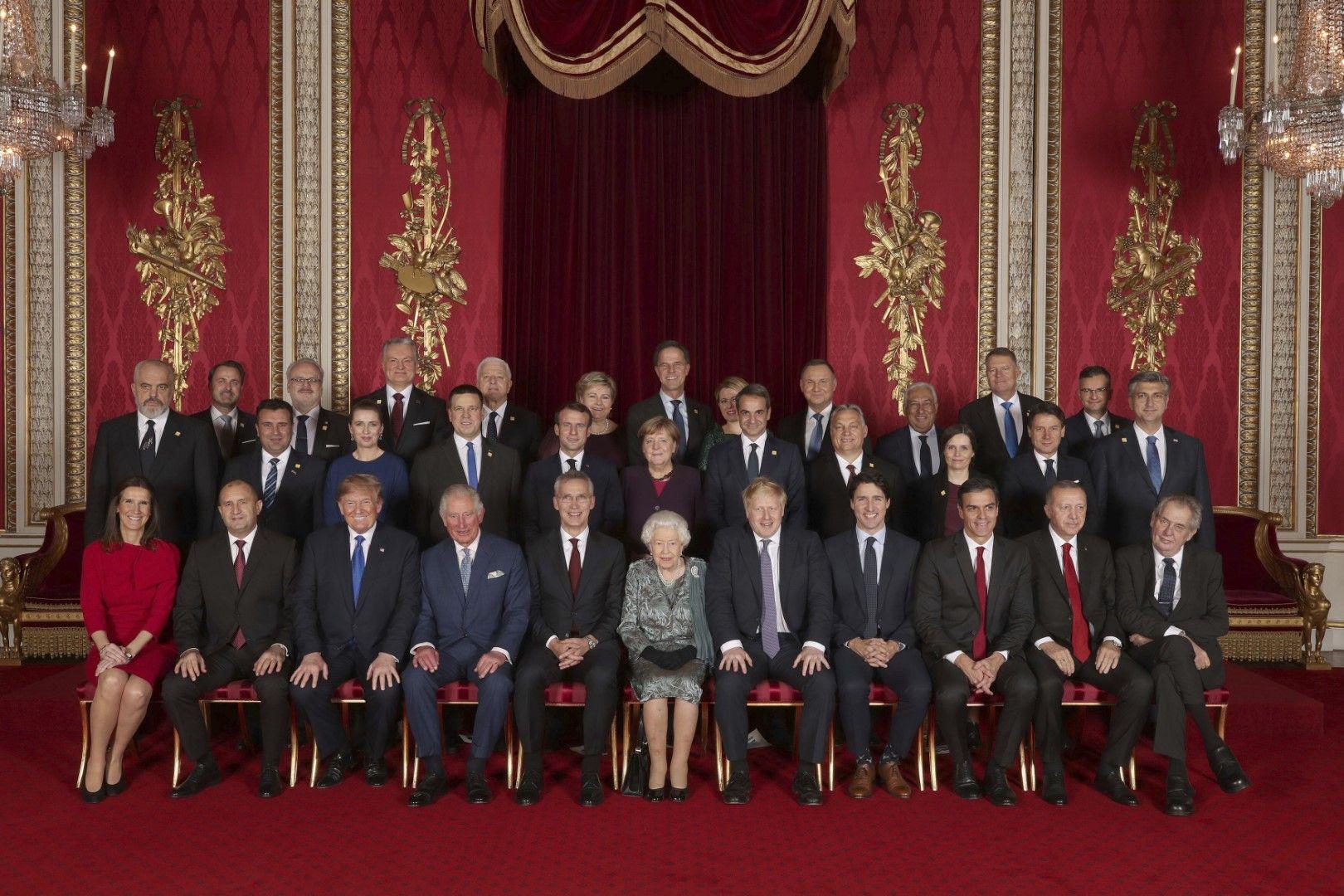 Кралица Елизабет II даде прием в чест на лидерите на страните от НАТО, събрали се в Лондон по случай 70-годишнината на алианса