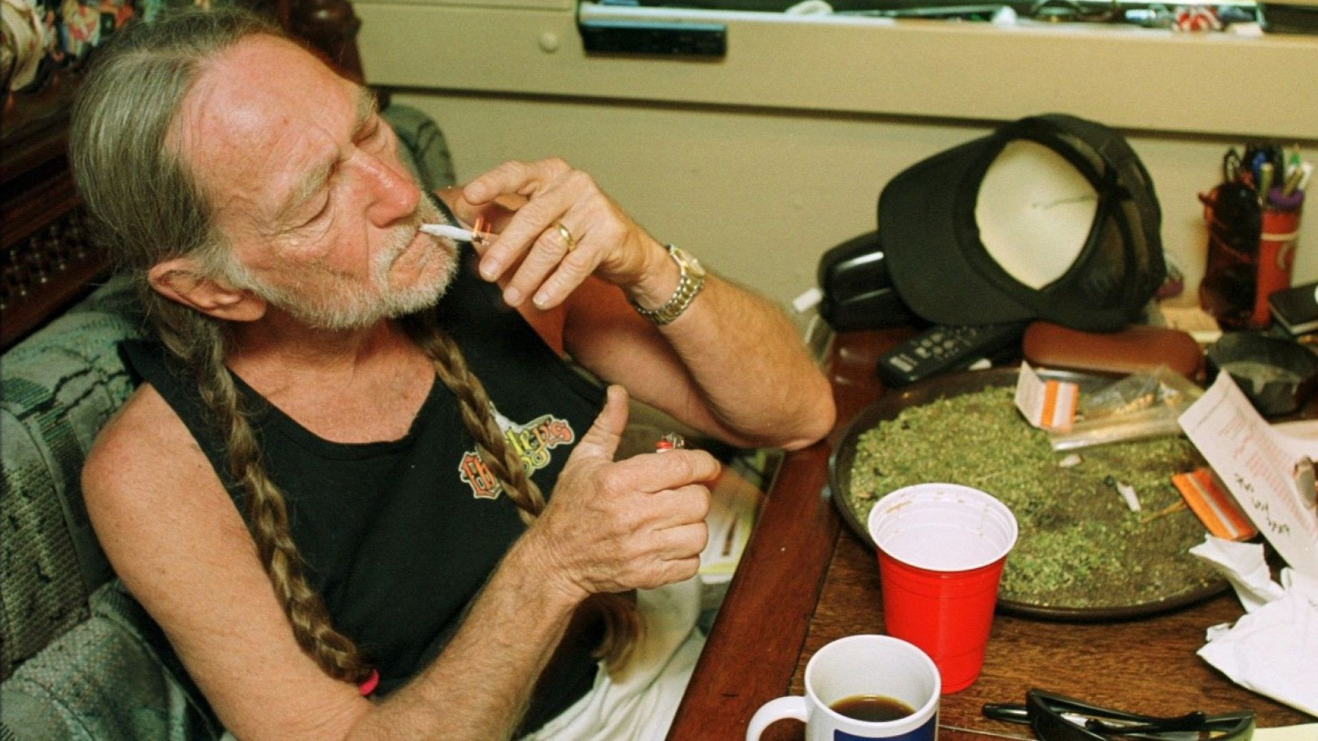 Уили Нелсън разкри, че е спрял да пуши марихуана