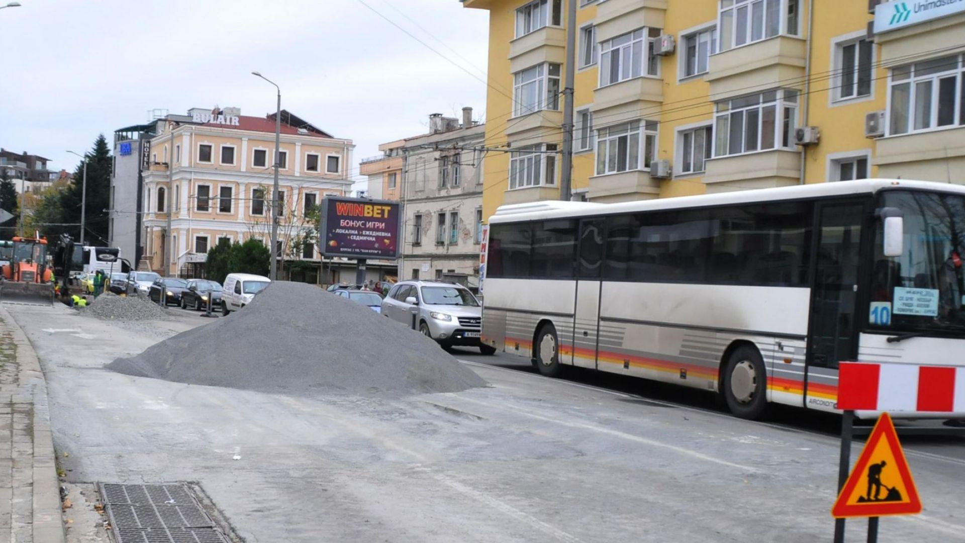 Транспортна фирма ще спре движението на автобусите си по линии