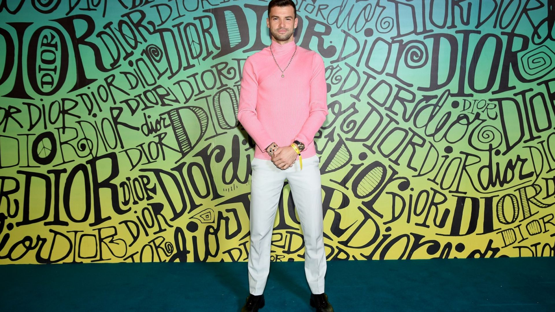 Григор Димитров и Нина Добрев на синия килим на Dior в Маями