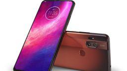Motorola пусна безрамков телефон (снимки)