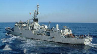 Френски кораб си играе на котка и мишка с руснаците в Черно море