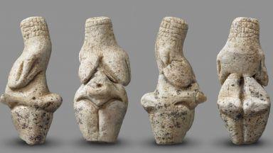 Нова палеолитна Венера, датирана преди 23 000 години, показаха в Амиен