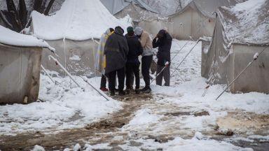 Хърватия вкара погрешка двама нигерийски спортисти в бежански лагер в Босна