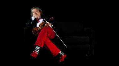 Роби Лакатош е като летящият цигулар от картините на Шагал