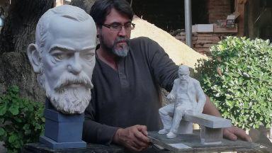 Скулпторът, който извая Славейков в Милано и вся смут: Докато работех, ми четяха стиховете му