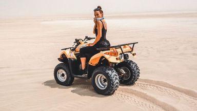 Ивет Лалова на ATV сред необятната пустиня на Катар