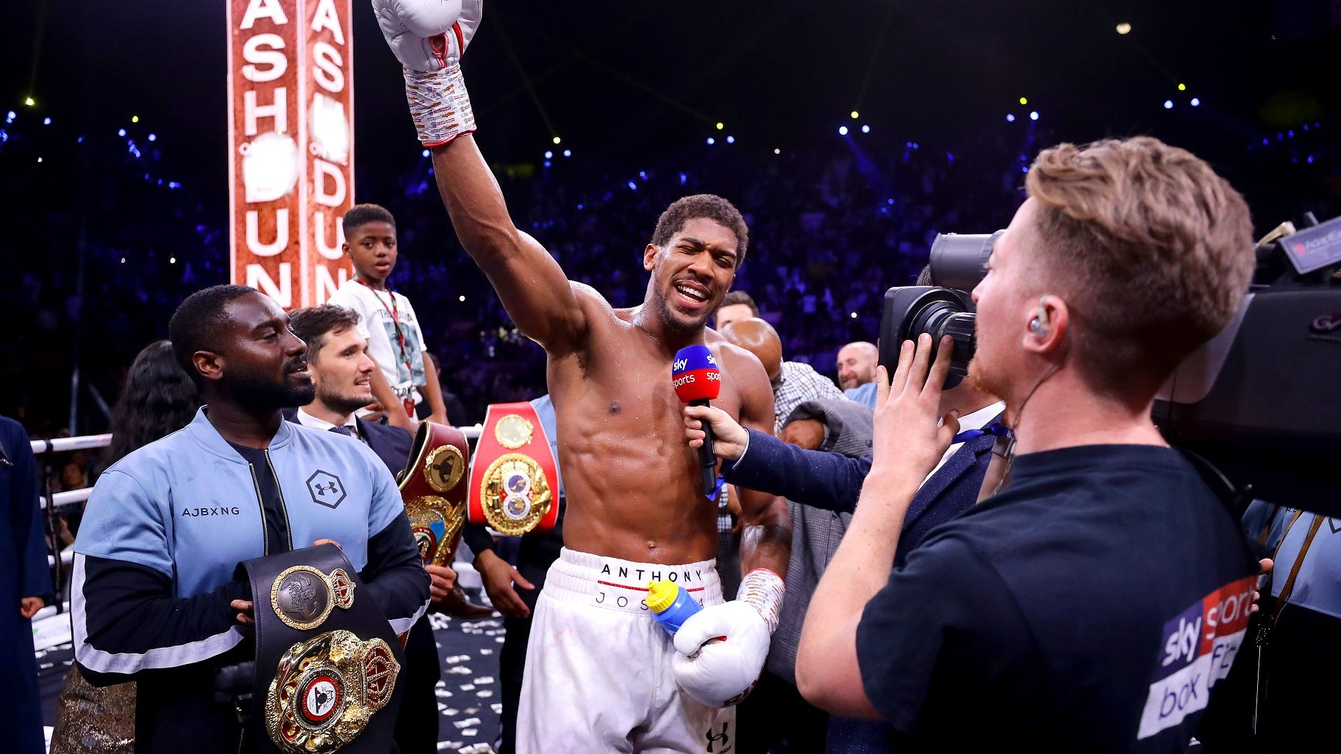 Местят големите боксови мачове на 2020-а за догодина?