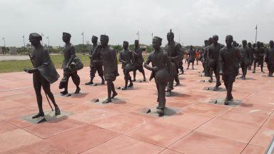 Наш скулптор - с принос в Националния мемориал на Солния поход в Индия