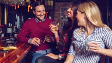 Учени откриха най-ефикасните реплики за запознанство с мъж