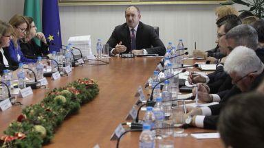 Президентът на срещата с ЦИК: Най-трудно е да преодолеем корпоративния и купения вот