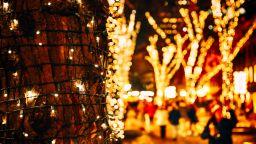 Коледен градски базар в Перник подкрепя семействата с репродуктивни проблеми