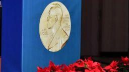 Връчват Нобеловите награди, всяка е над 900 000 долара