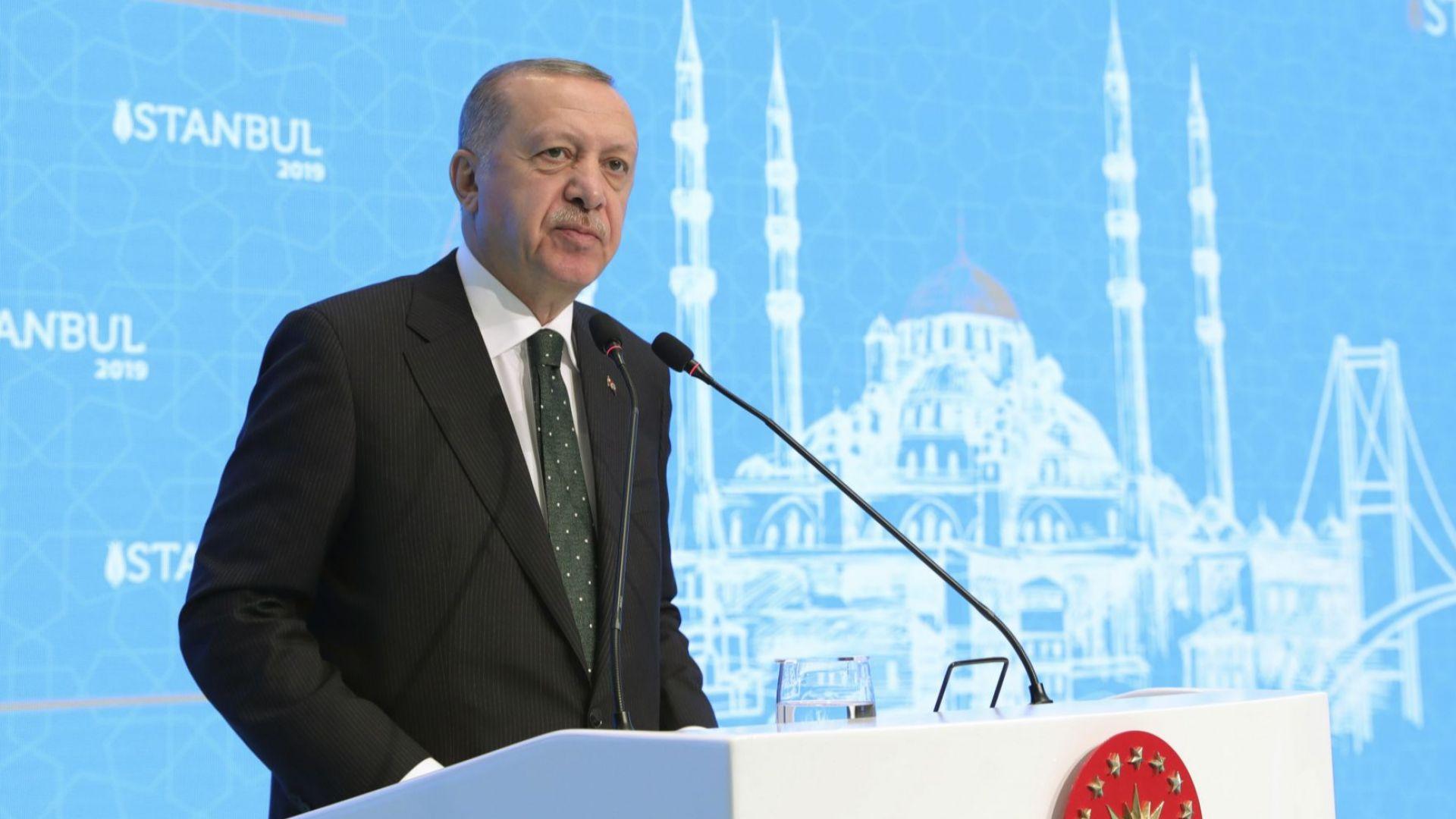 Турция е готова да изпрати войска в Либия, потвърди Ердоган