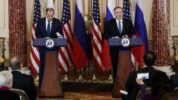 Лавров връчи на Тръмп поканата от Путин да празнуват заедно 9 май в Москва