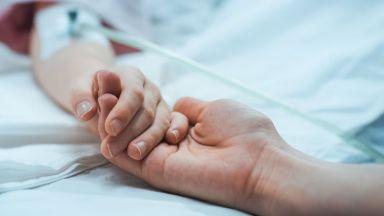 """Двустранна пневмония с кръвоизлив е причина за смъртта на 3-годишното дете в """"Пирогов"""""""