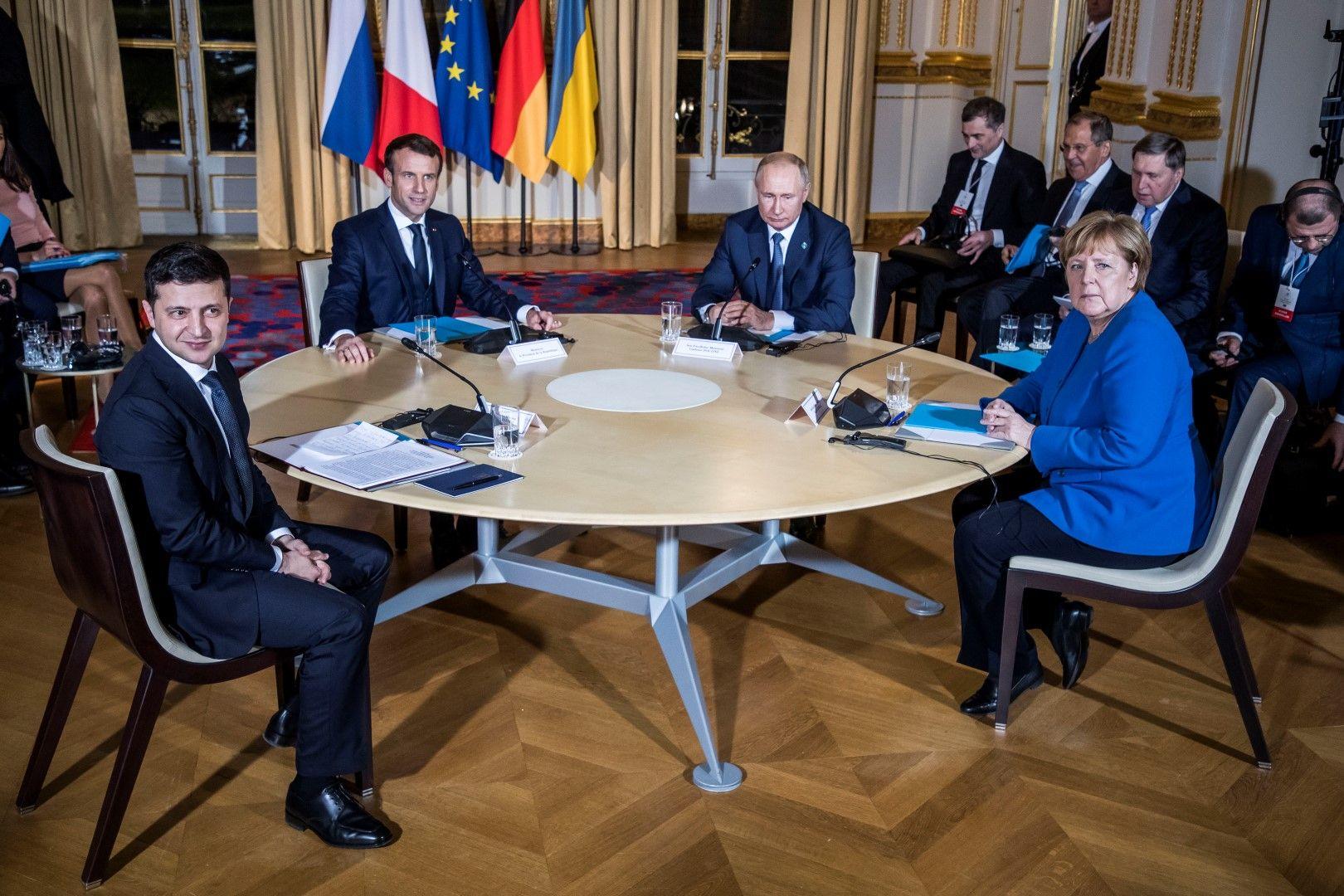 Срещата на Нормандската четворка в Париж: Володимир Зеленски, Еманюел Макрон, Владимир Путин и Ангела Меркел