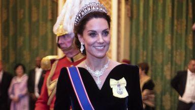 Кейт Мидълтън – диамантът на предколедния прием в Бъкингамския дворец