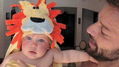 Рики Мартин сподели мила снимка с дъщеря си като малко лъвче