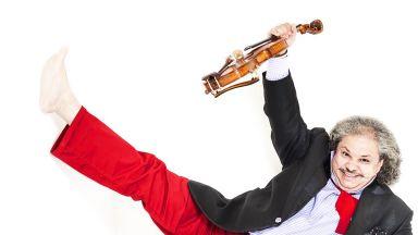 Fire dance за начало, с виртуоза на циганската цигулка Роби Лакатош в НДК утре
