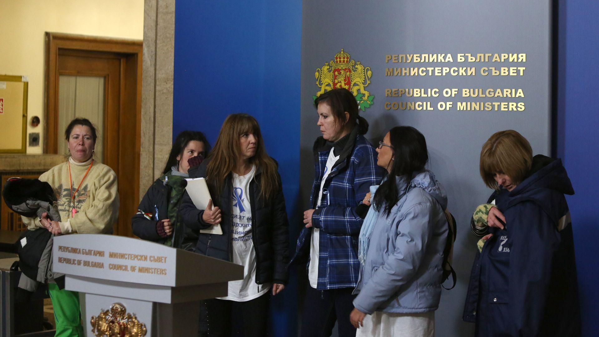 Кабинетът и синдикатите в консенсус: 900 лв. заплата за медсестрите в училища и детски градини