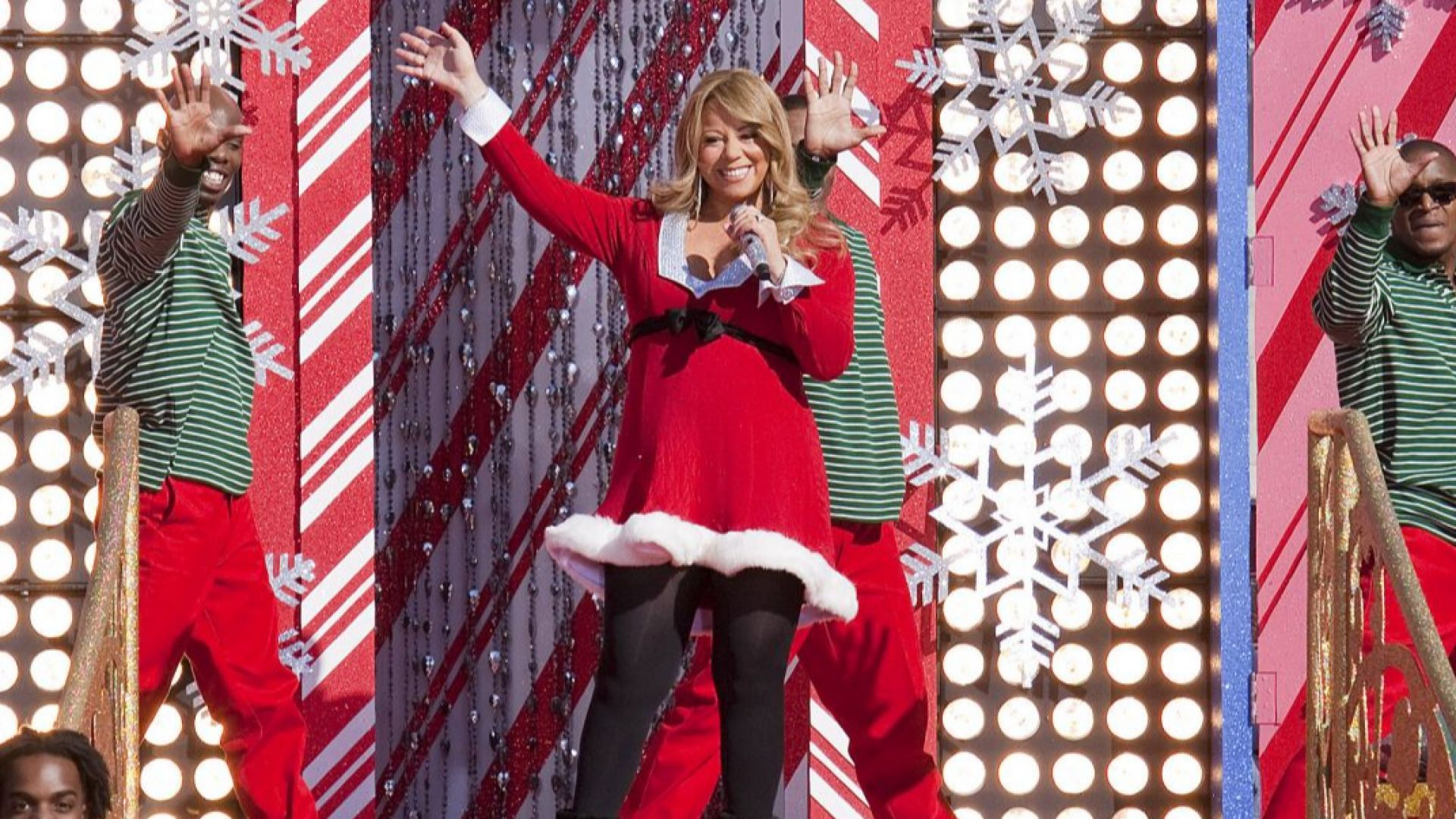 """След 25 години """"All I Want For Christmas Is You"""" оглави за първи път класацията на """"Billbord"""""""