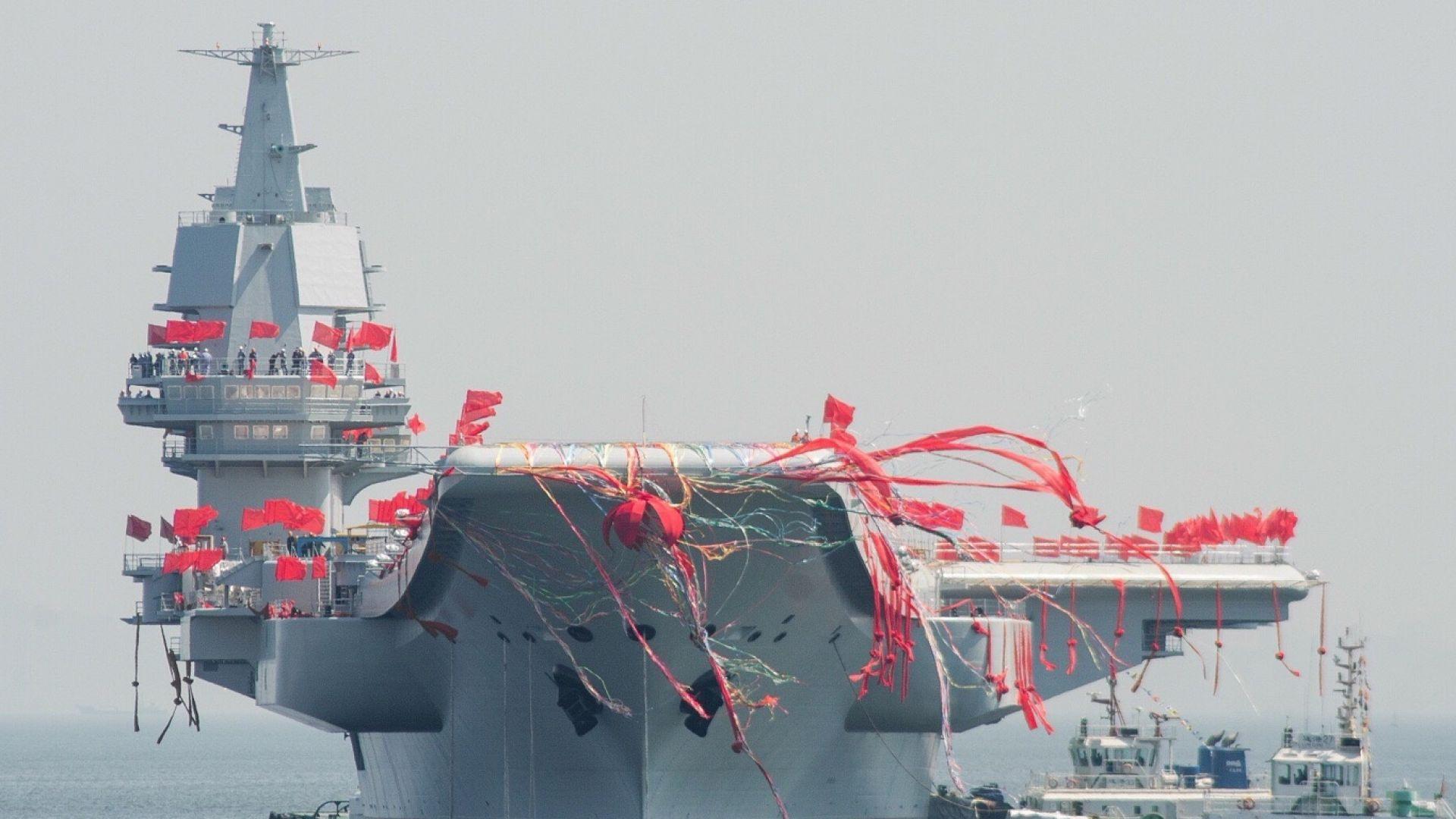 Китай пусна на вода втория си самолетоносач