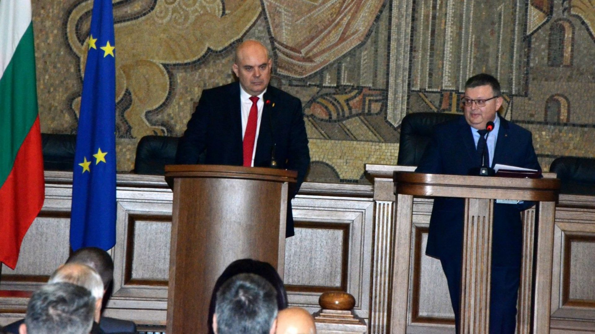 Иван Гешев се закле като главен прокурор в зала