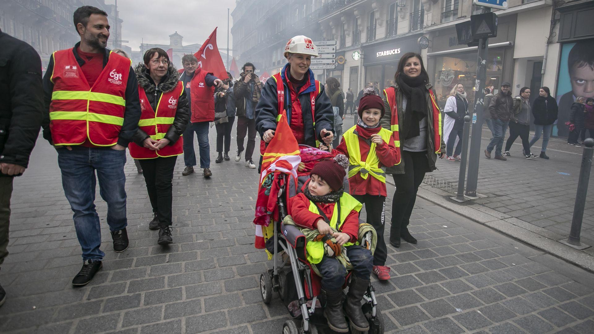 Ресторанти, хотели и магазини с големи загуби заради стачката във Франция