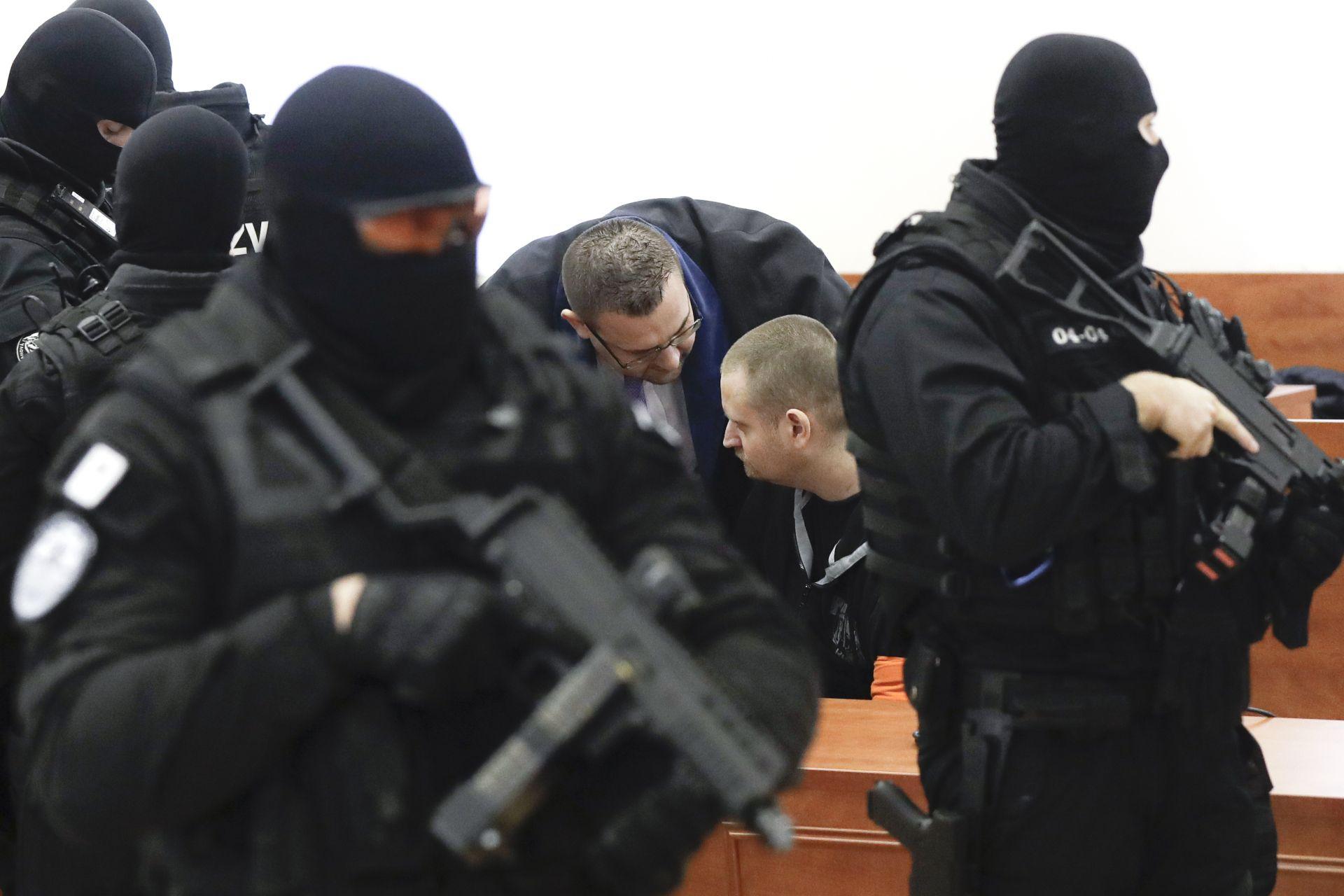 Мирослав Марчек, един от заподозрените стрелци, седи в съдебната зала