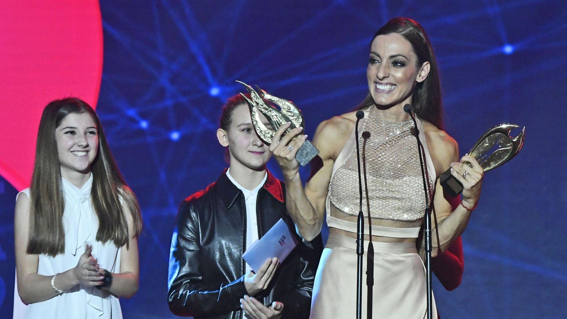 Страхотната Ивет Лалова взе наградата на феновете