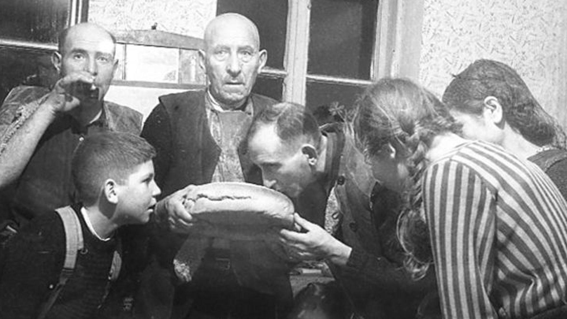 Денят преди най-големия и тържествен зимен празник Коледа българите наричат