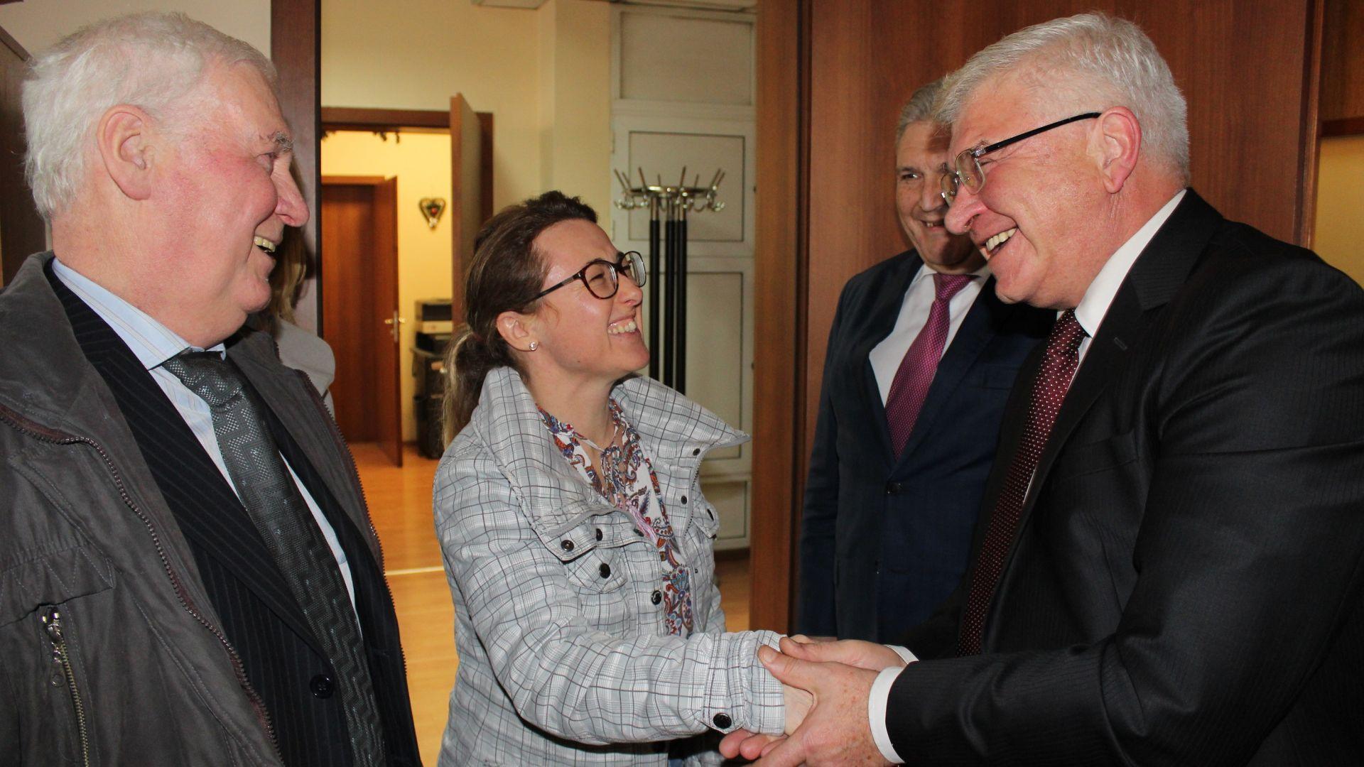 Кирил Ананиев се срещна с Мариян Горбан, който получи нов бял дроб (снимки)