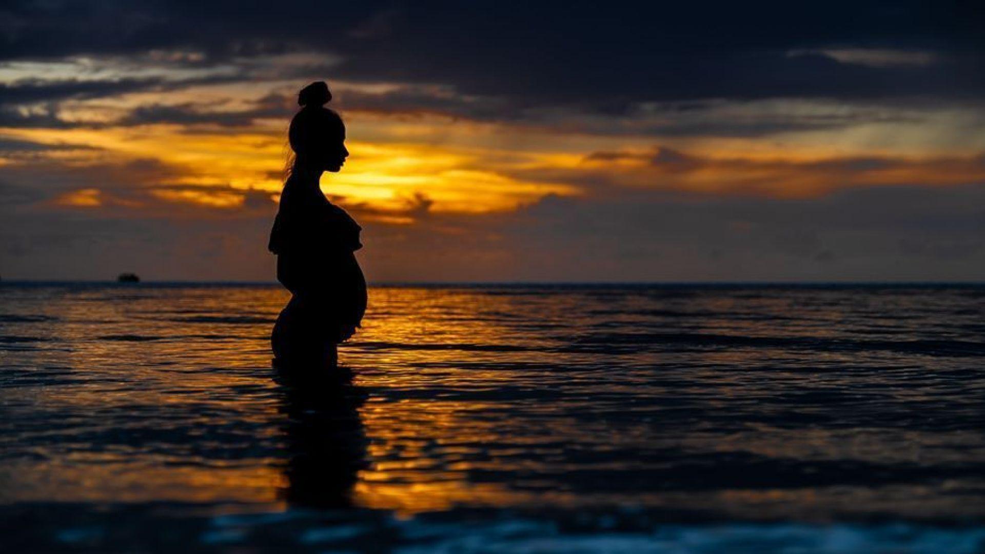 Алекс Енева стана майка за втори път. Дядо Маги се радва на най-хубавия коледен подарък
