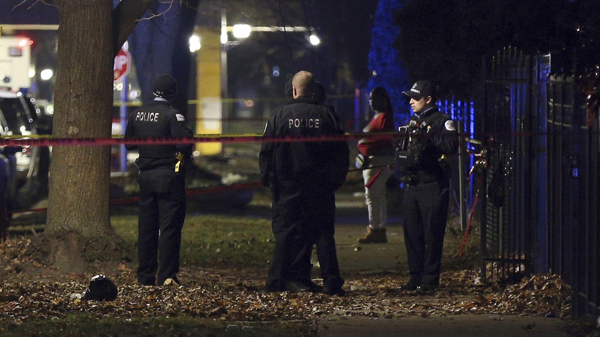 13 души са ранени при стрелба в Чикаго на събиране в памет на убит