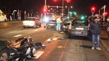 Българин подгони с колата си и прегази моторист в Хага