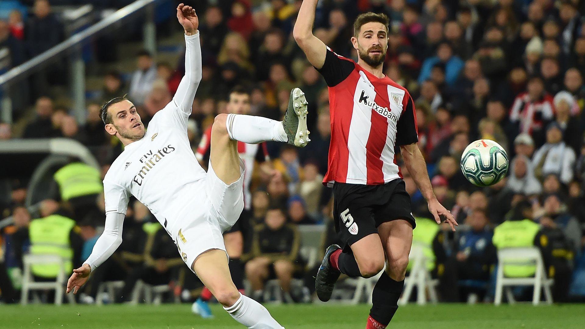 """Баски лъвове и гредите отчаяха """"Бернабеу"""", Реал сдаде върха на Барса"""