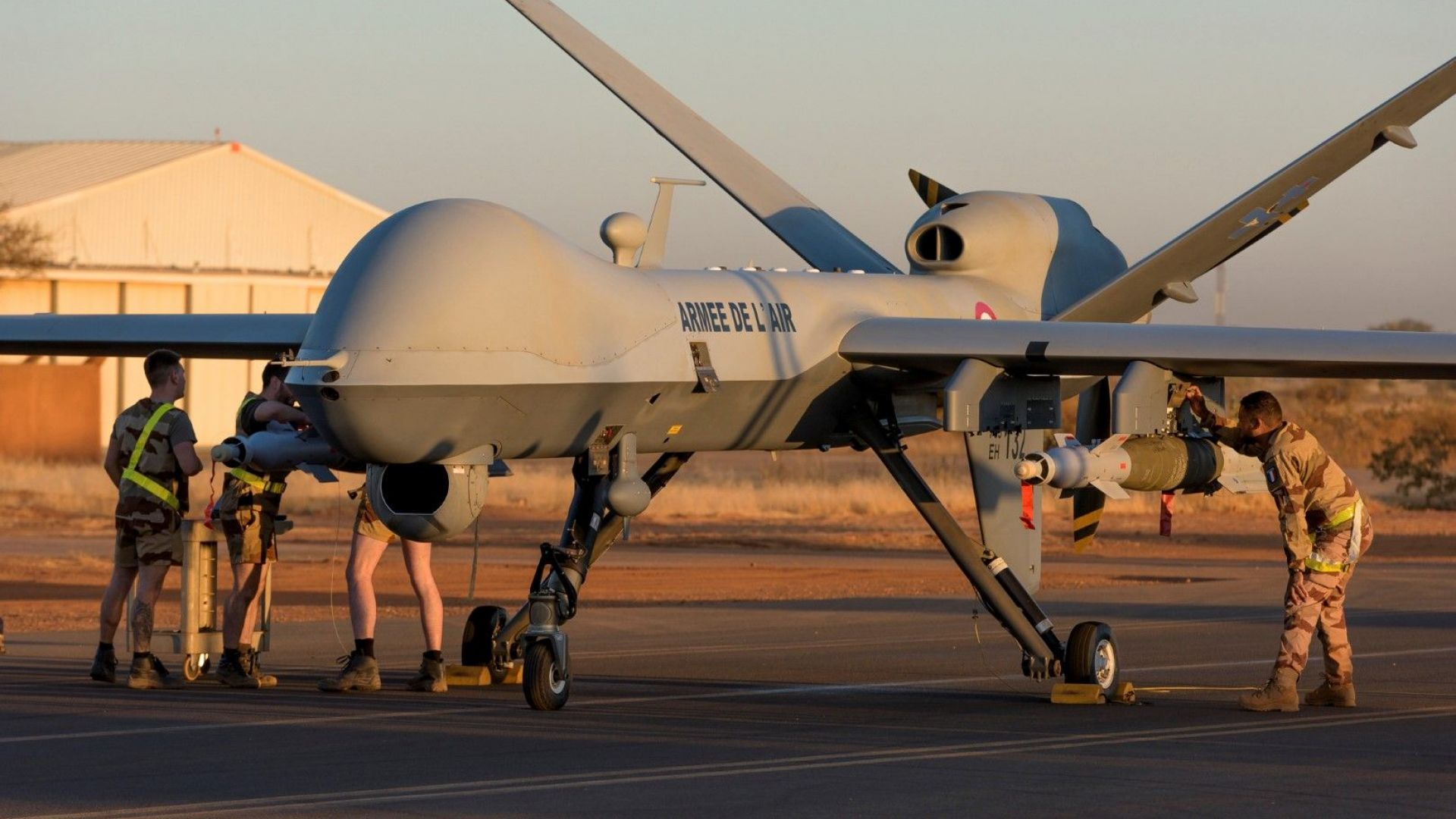 Франция съобщи за първия си удар с въоръжен дрон