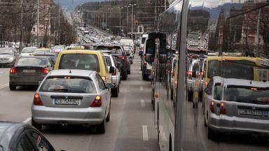 В София има повече автомобили от средното за големите градове в ЕС